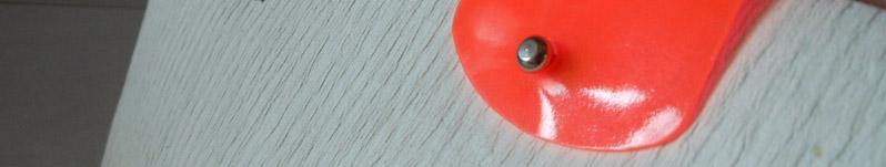shopping bag di lusso in carta by Gio'Gatto 1984 Torino, italia - Dettaglio shopping bag di lusso prêt-à-porter in carta parzialmente riciclata con patellina fluorescente e pomellino metallico.